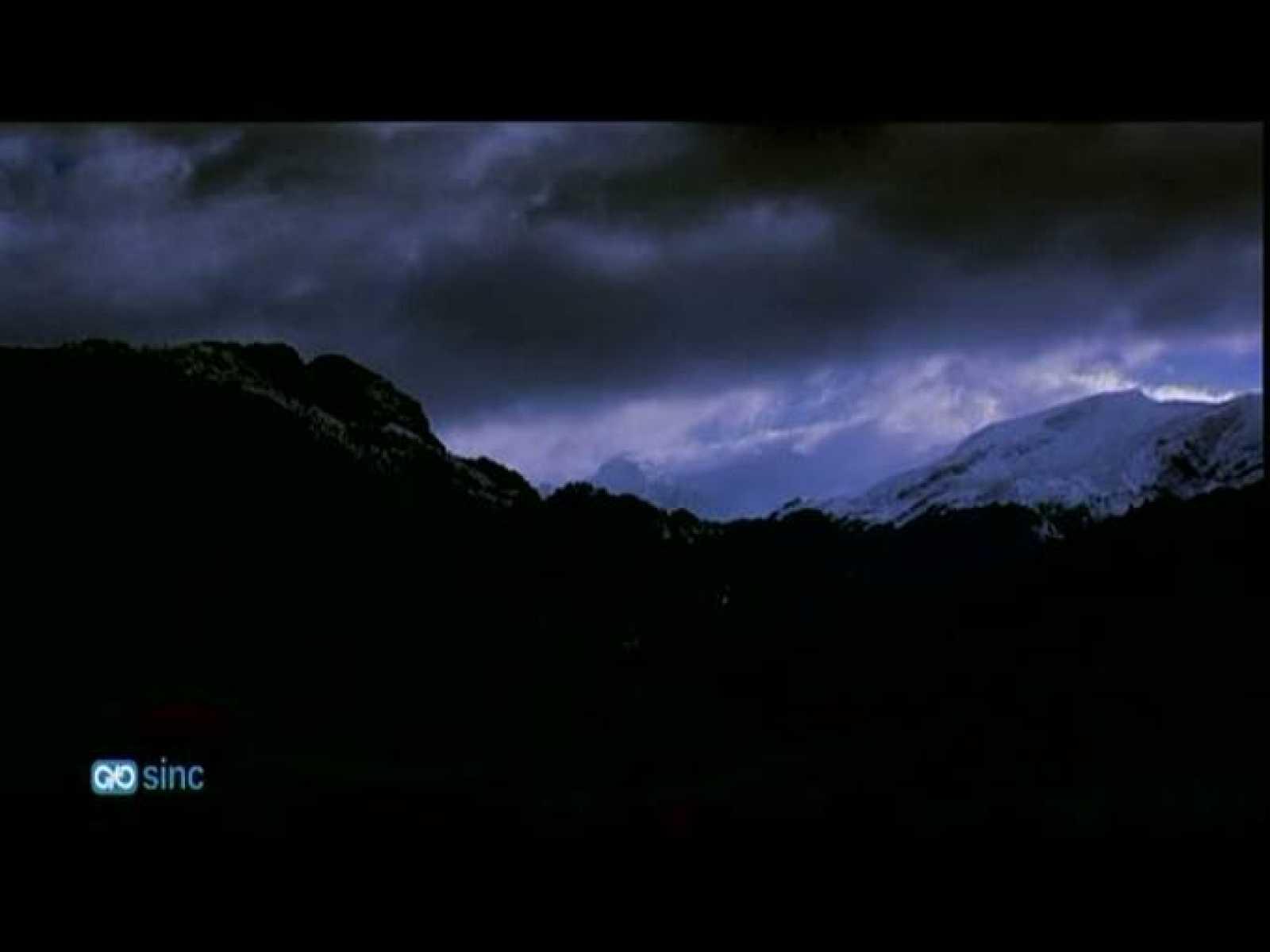Un equipo de investigadores españoles ha grabado por primera vez en Europa a alta velocidad a los duendes y elfos de las tormentas, unos fenómenos eléctricos fugaces y luminosos que se producen en las capas altas de la atmósfera. El análisis de las