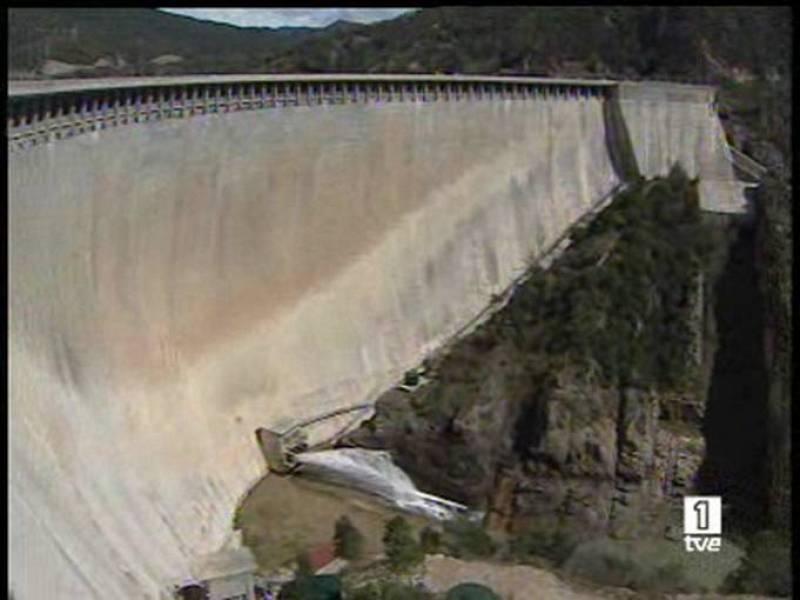 El Gobierno de Aragón recurrirá el envío de agua del Ebro a Barcelona, porque cree que la emergencia está superada.