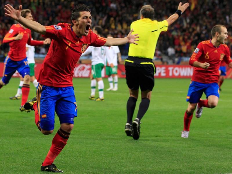 España se ha clasificado a cuartos de final del Mundial al derrotar a Portugal con un gol de David Villa, que ha sumado su cuarto tanto en Sudáfrica. La selección española ha jugado su mejor partido en lo que va de torneo ante una Portugal que llegó