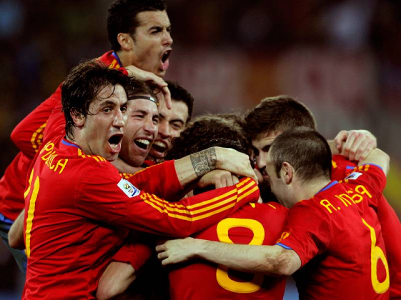 España ha hecho historia al derrotar a Alemania en las semifinales del Mundial de Sudáfrica con un tremendo cabezazo de Puyol y desplegando el mejor juego de todo el torneo. El gol del central español ha metido a la 'Roja' en la gran final del campeo