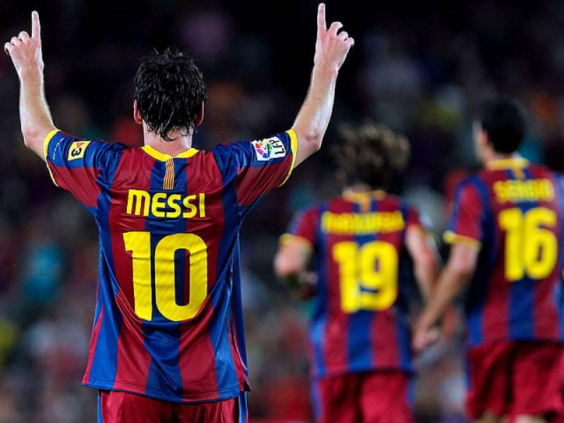 La vuelta a la eliminatoria llegó con la ejecución del tercer gol. Dani Alves se internó por la banda, se paró y se la puso en el área a Messi para que de forma brillante superara a Palop.
