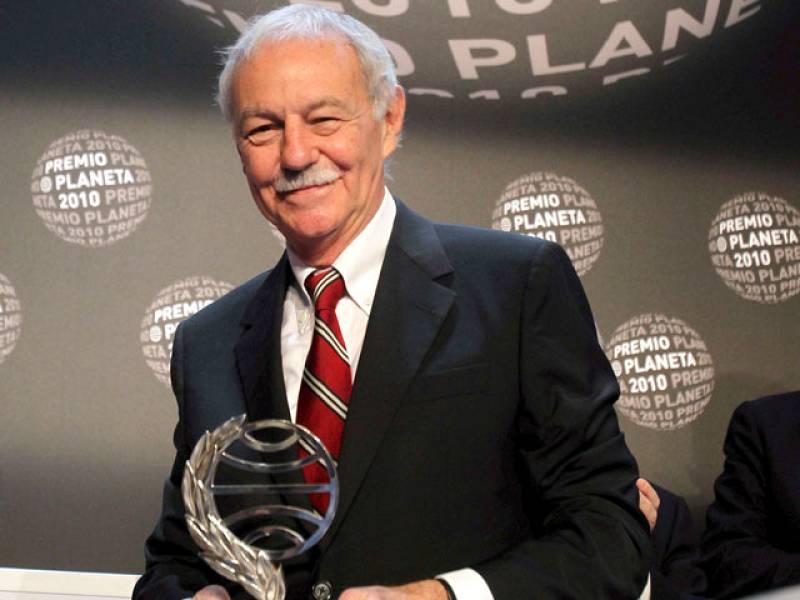 Eduardo Mendoza gana el Planeta 2010