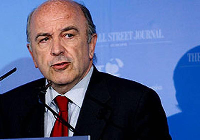 El comisario europeo de Asuntos Exteriores, Joaquín Almunia, ha señalado que España seguirá creciendo más que la media de la Zona Euro, aunque la desaceleración acortará las distancias. Ha participado en Los Desayunos de Televisión Española.