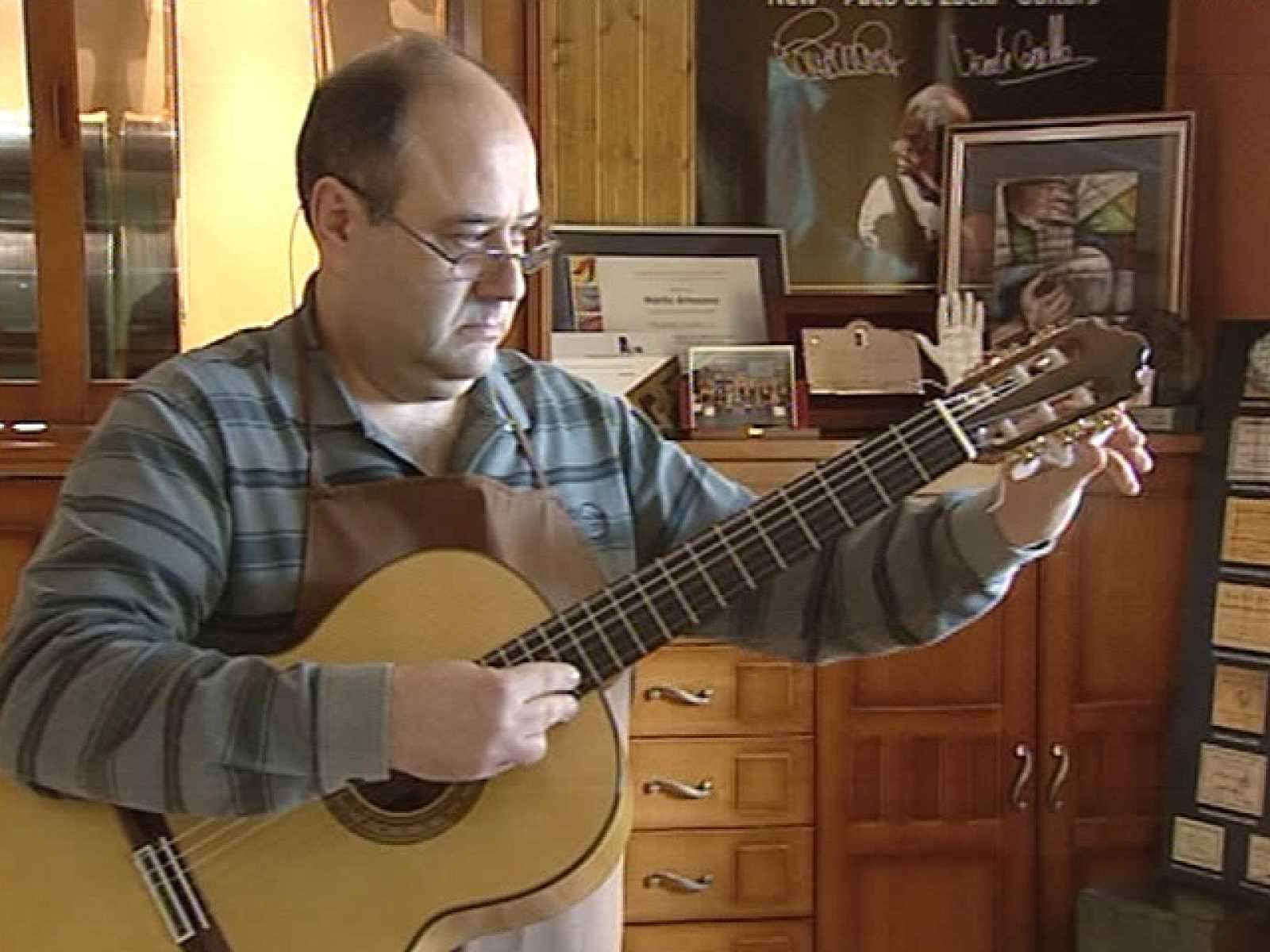 Premio Nacional de Artesanía para un luthier de Cuenca