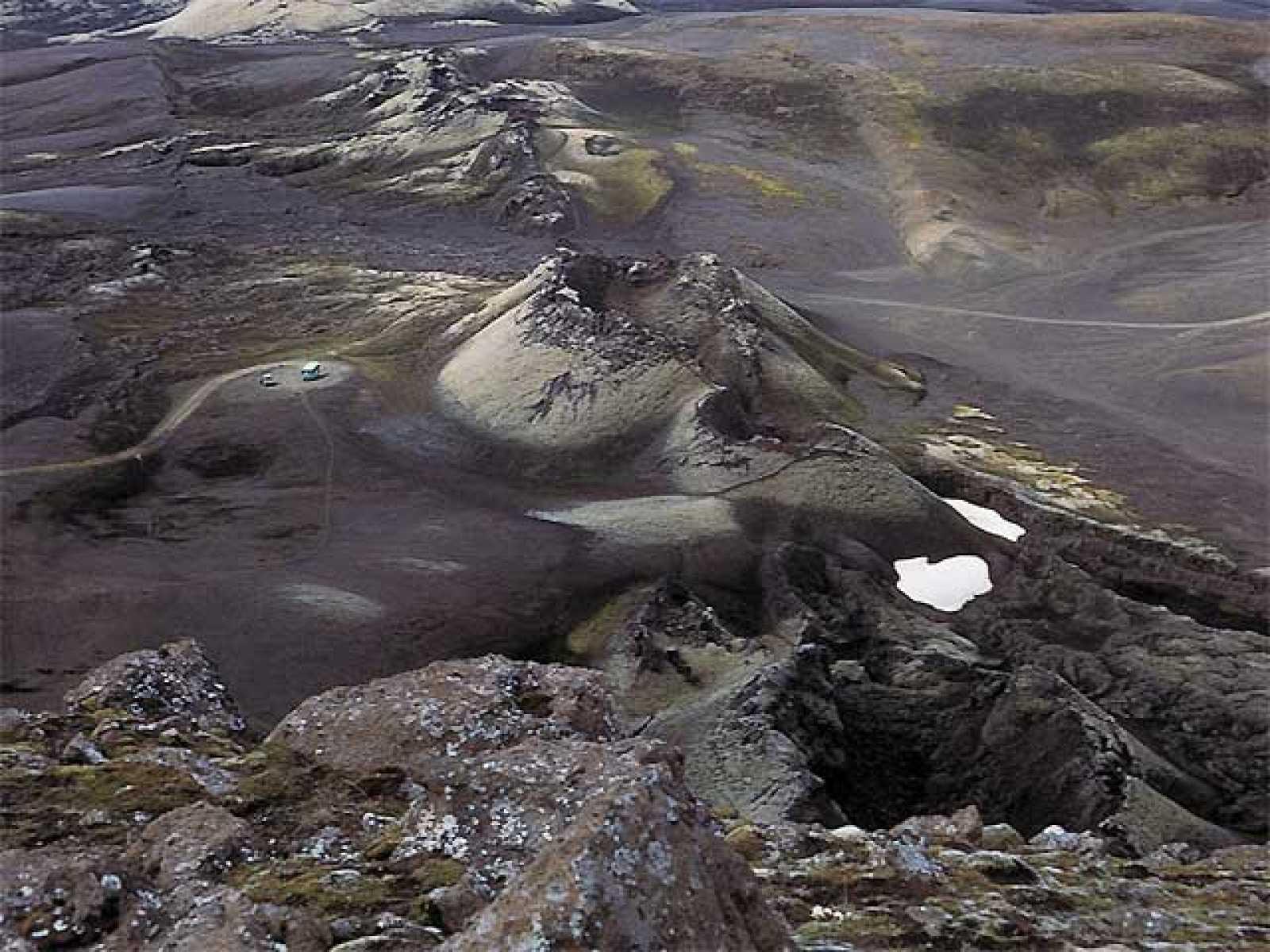Resultado de imagen para En la Luna Titán Existen volcanes de Hielo