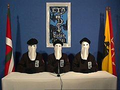 """ETA declara un alto el fuego permanente, """"general y verificable"""""""