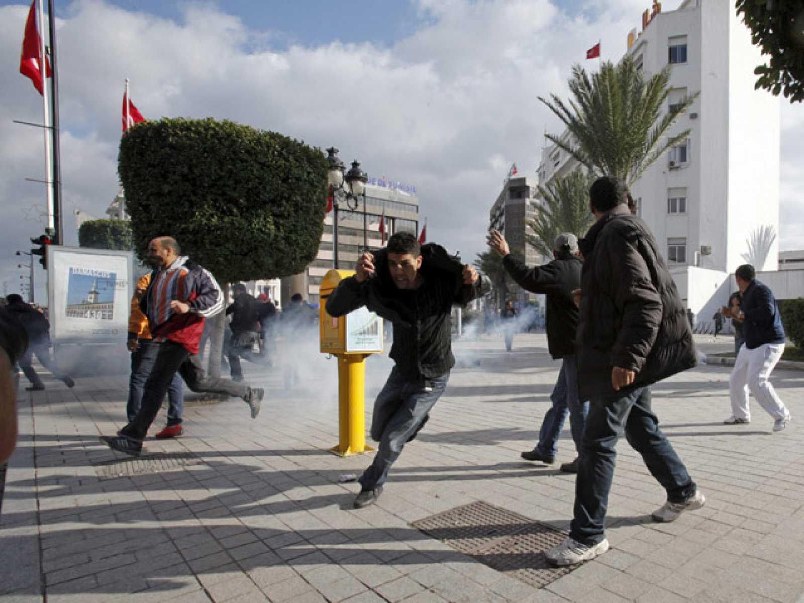 Túnez, entre nuevas protestas y la formación del nuevo gobierno de unidad