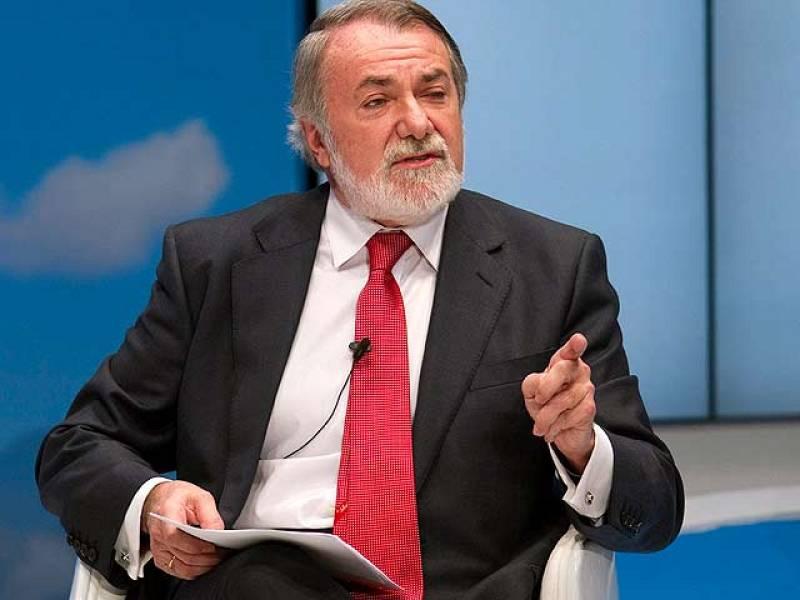 """En la Convención Nacional del PP en Sevilla, Jaime Mayor Oreja ha acusado al Gobierno de """"practicar la cultura de la muerte"""", ha dicho, en relación a la Ley del Aborto. Los socialistas han exigido a Rajoy una rectificación urgente."""