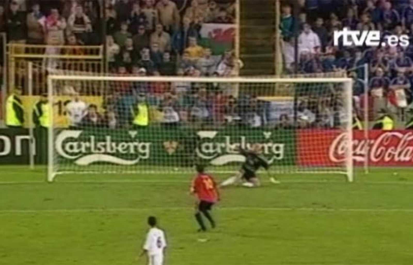 El penalti fallado de Raúl ante Barthez nos apeó de la Eurocopa de 2000.